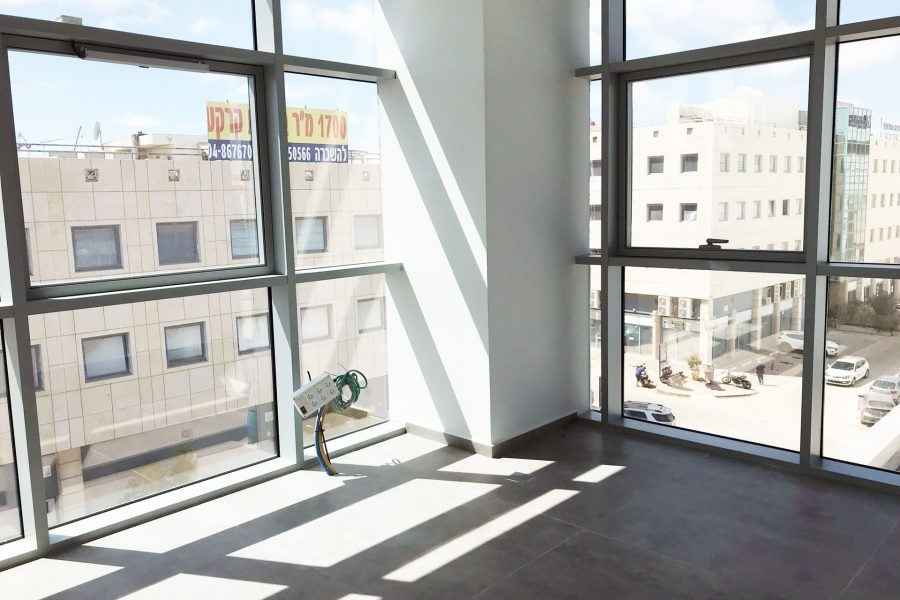 משרדים להשכרה בנתניה בבניין טיטניום