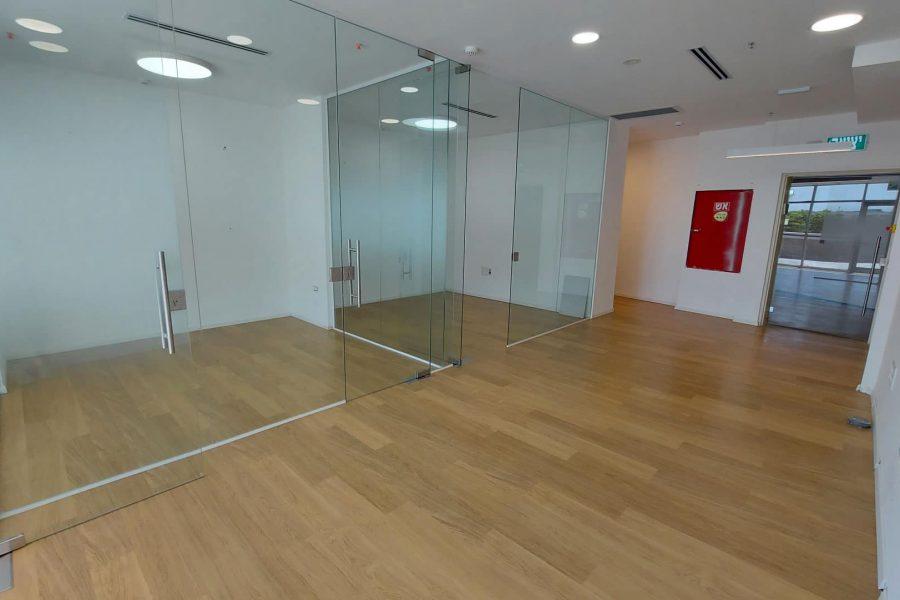 משרדים להשכרה בנתניה בניין טיטניום קומה 1 ברחוב הגביש 4